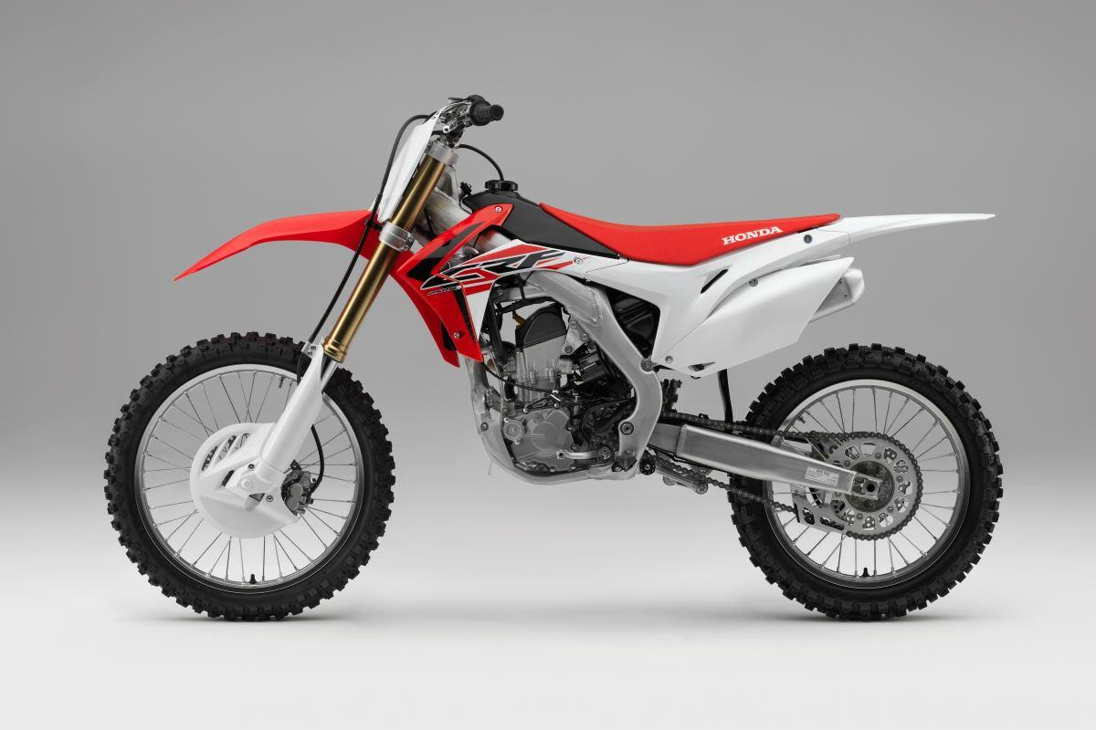 test 2016 honda crf250r en crf450r crossmotoren. Black Bedroom Furniture Sets. Home Design Ideas