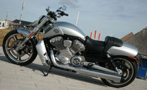 Test: 2010 Harley-Davidson V-Rod Muscle 2009