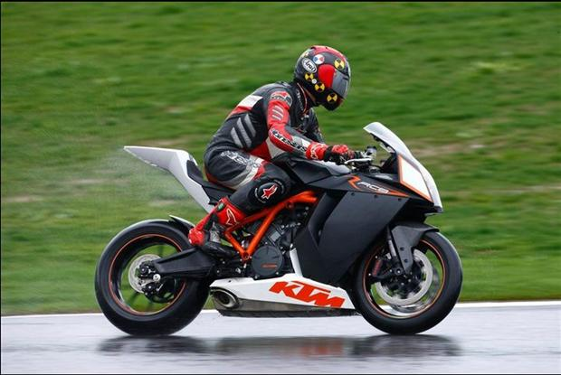 Test: 2009 KTM RC8R Superbike 1190