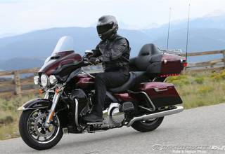 Test-2014-Harley-Davidson-Electra-Glide-Ultra-Limited-liquidcooling-waterkoeling