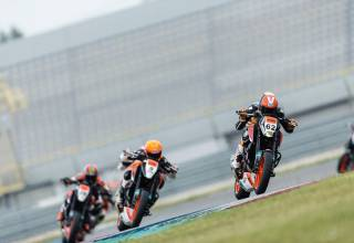 Test 2016 KTM 690 Duke R Battle CupRacer Henny B Stern