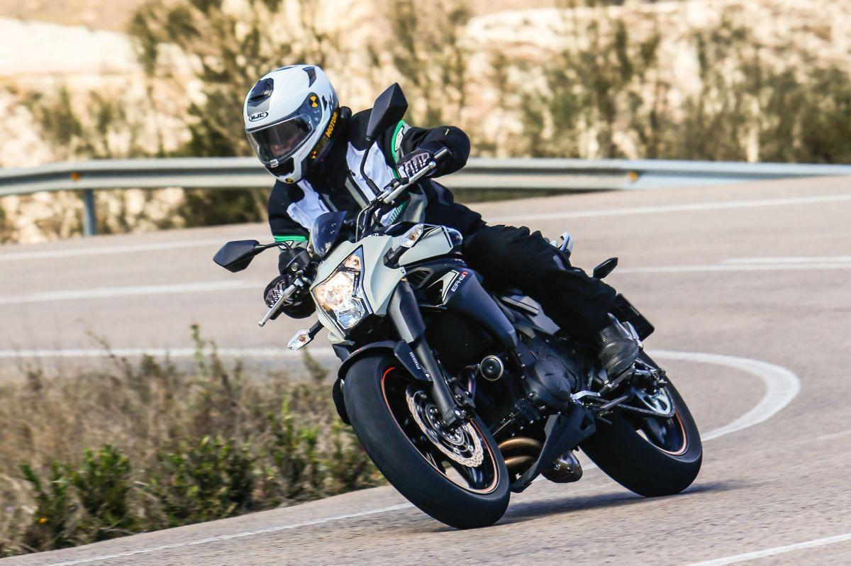 Test: 2016 Kawasaki ER-6N Sports Edition