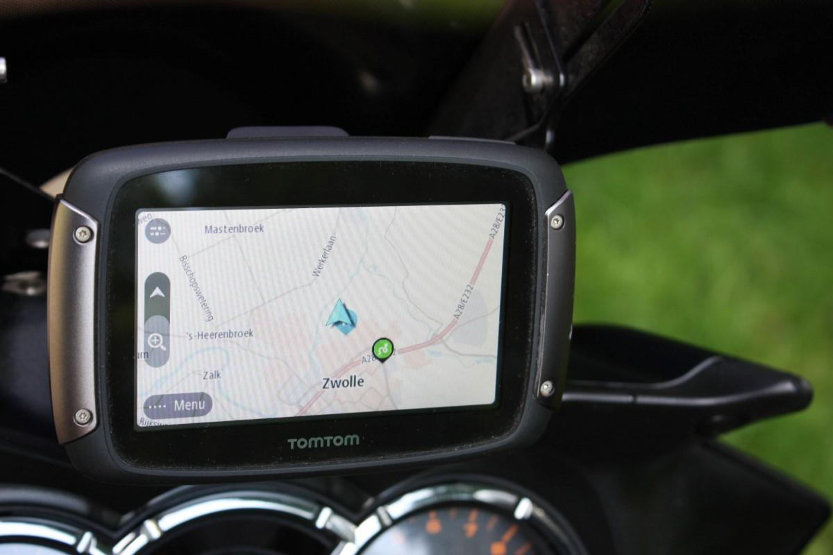 test tomtom rider 450. Black Bedroom Furniture Sets. Home Design Ideas