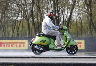 Test Pirelli Angel Diablo Rosso Scooter motorscooter band 9