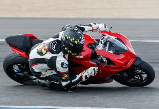Test 2020 Ducati Panigale V2 1